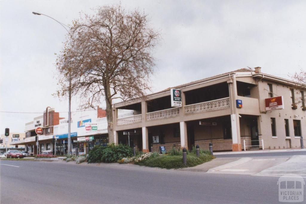 McCartins Hotel, Leongatha, 2011