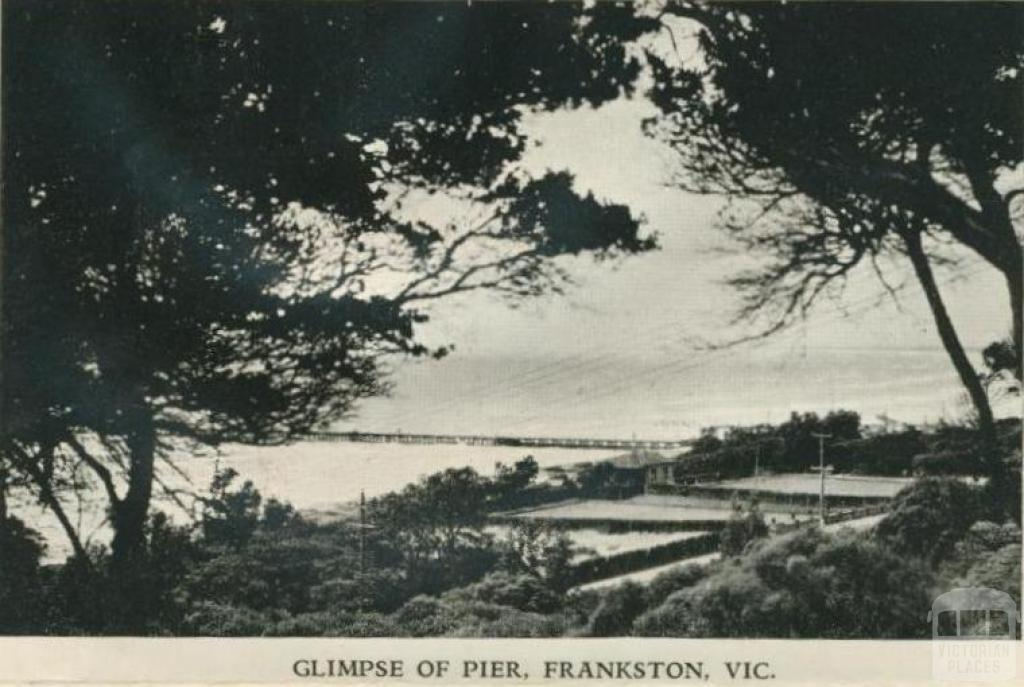 Glimpse of pier, Frankston