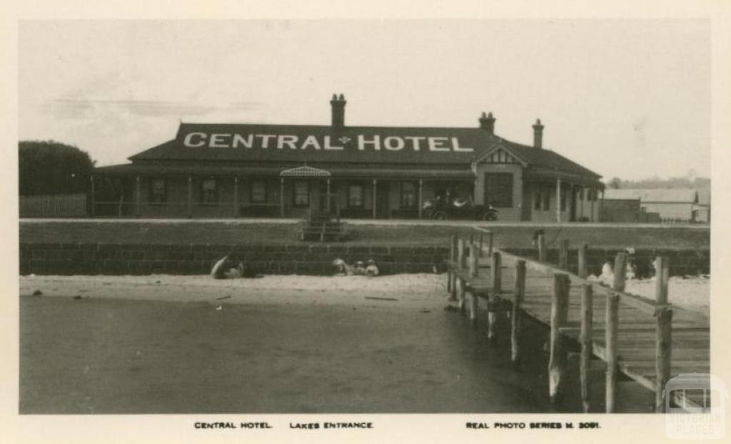 Central Hotel, Lakes Entrance