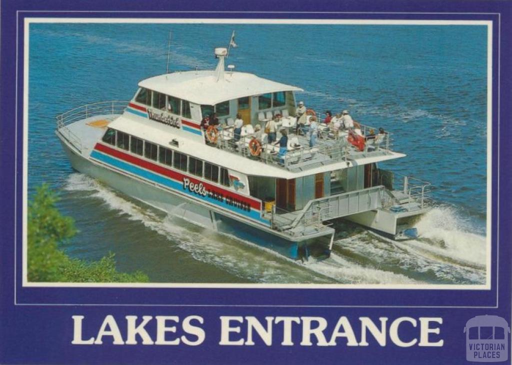 The MV Thunderbird cruises the beautiful Gippsland Lakes