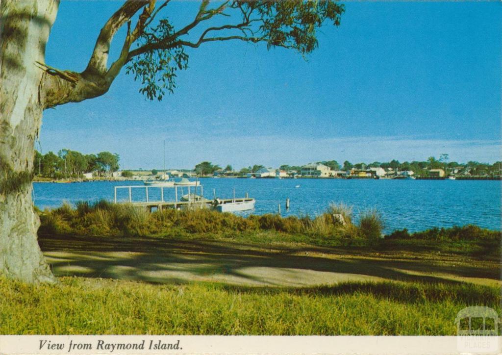 View across McMillan Straits from Raymond Island, Paynesville