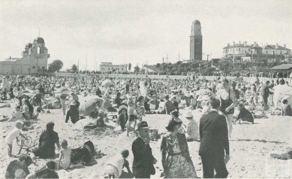 Crowds on the beach, St Kilda