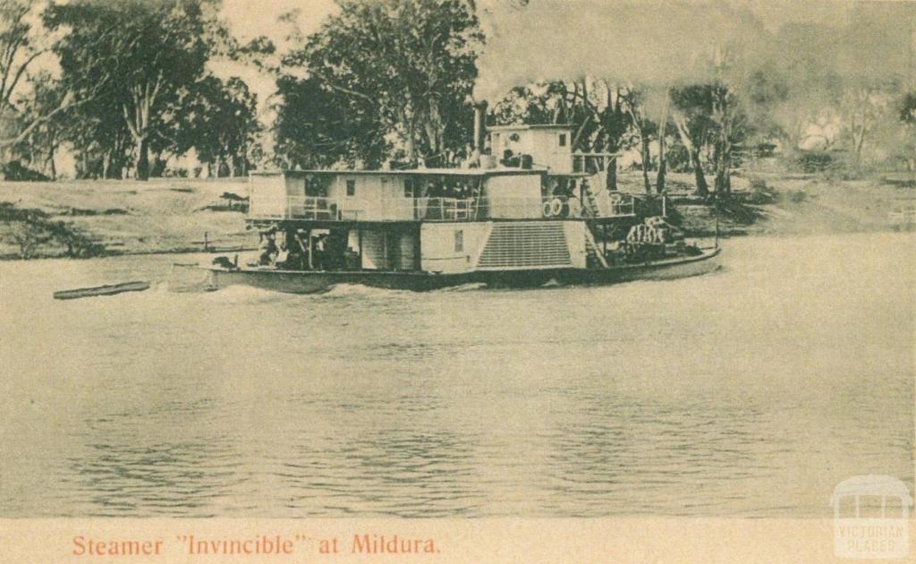 Steamer Invincible at Mildura, c1910