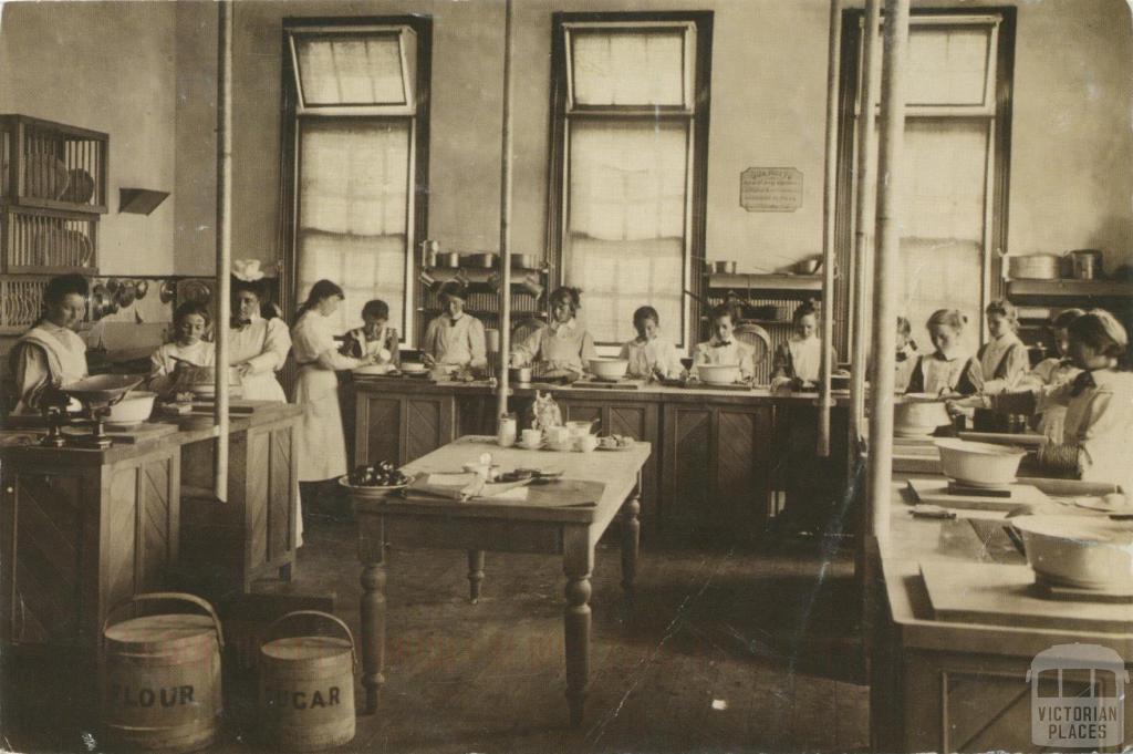 Cookery class, Warrnambool High School c1910
